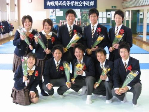 笑顔の卒業生達