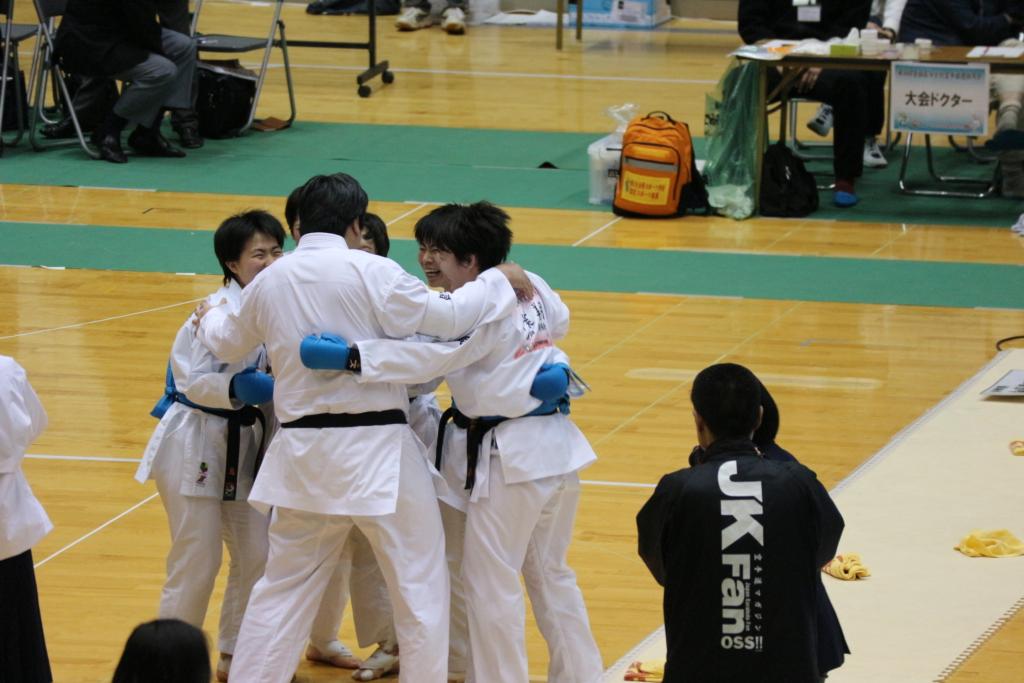 全国高等学校空手道選抜大会優勝!!